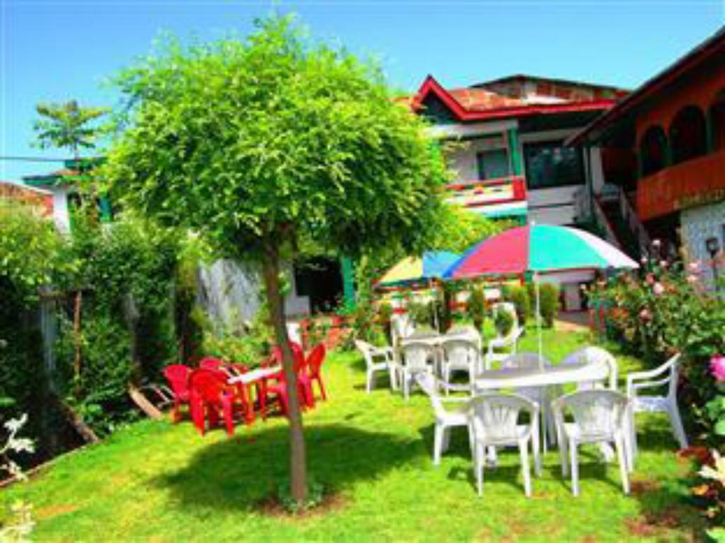 Hotel New Green View Best Price On Hotel New Green View In Srinagar Reviews