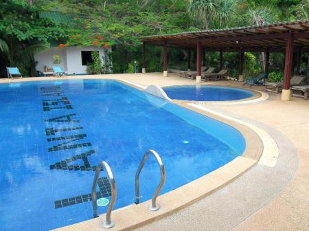 Swimming pool Lanta Island Resort