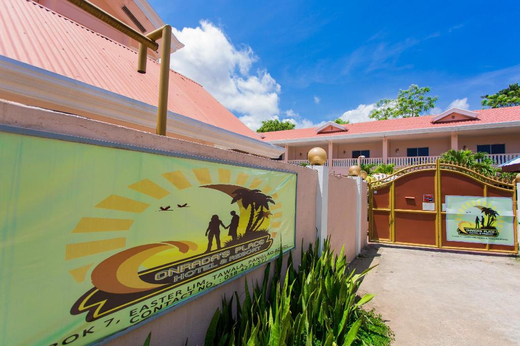 Entrance OYO 427 Conrada's Place Hotel and Resort