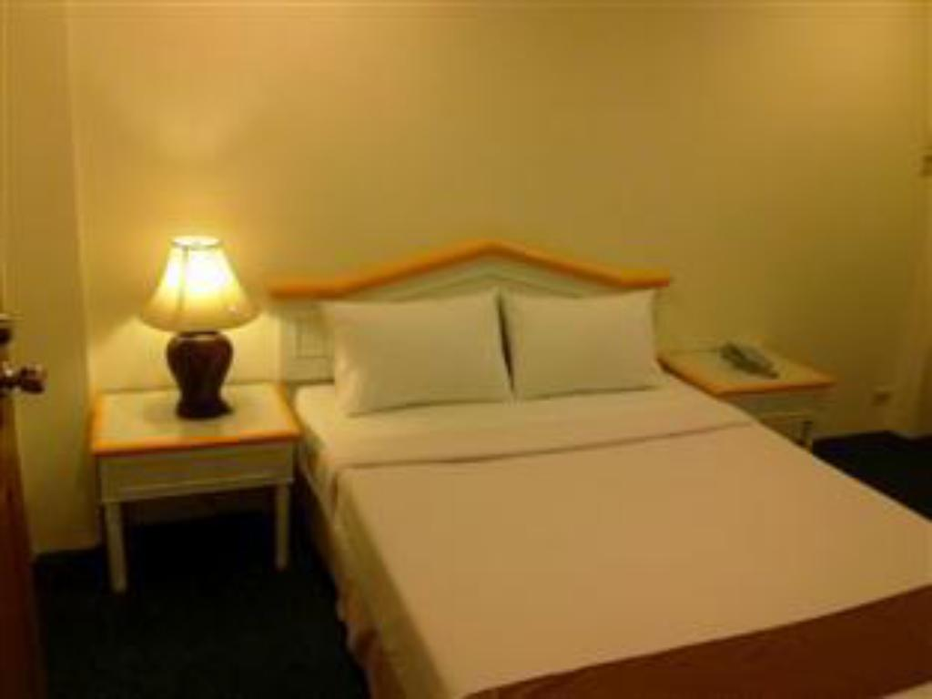 Standard Double Bed Asia Grand Hotel