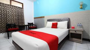 RedDoorz Plus near Lempuyangan Station 3