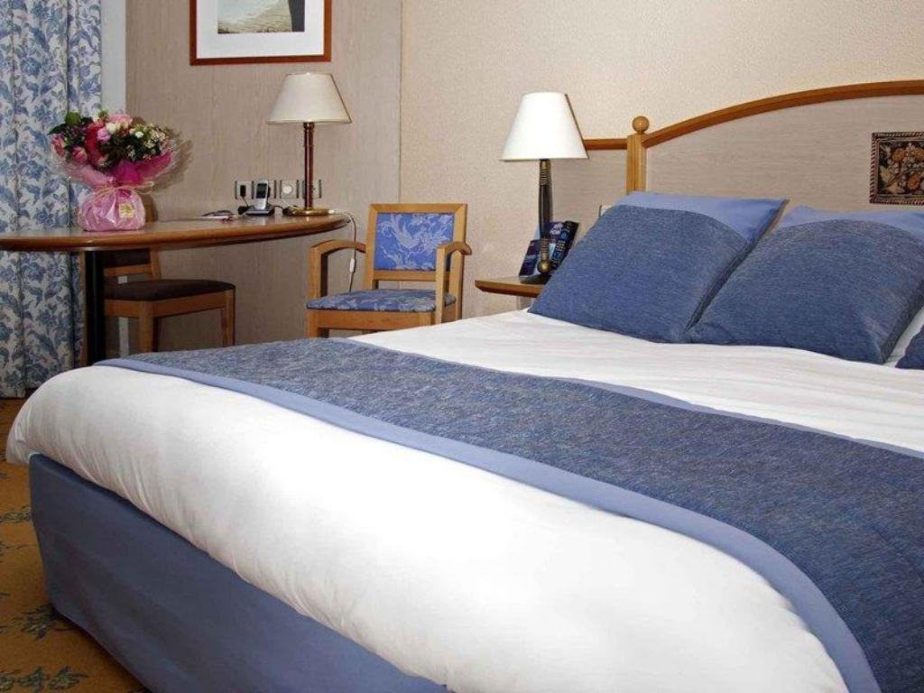 Standard Room with 1 double bed Hotel Mercure Nevers Pont de Loire
