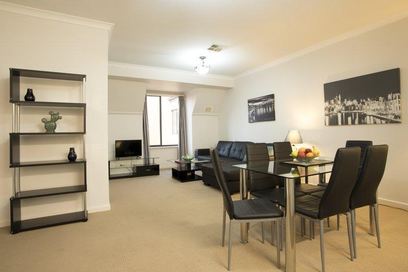 Premiere Two Bedroom Apartment - 1 Queen & 1 Single Beds
