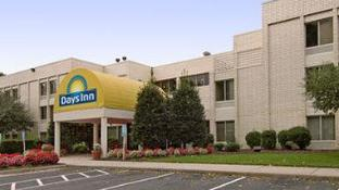 Days Inn by Wyndham Newport News City Center Oyster Point
