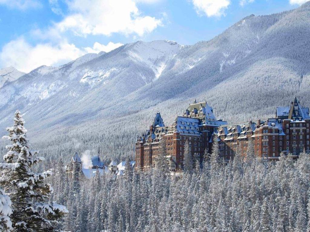 Fairmont Banff Springs Banff (AB), Canada: Agoda.com có giá rẻ nhất