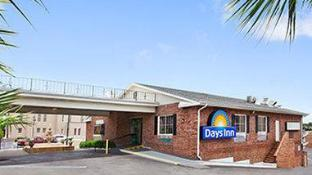 Days Inn by Wyndham Pensacola - Historic Downtown