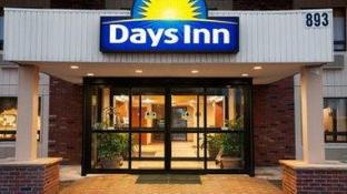 Days Inn by Wyndham Iselin / Woodbridge
