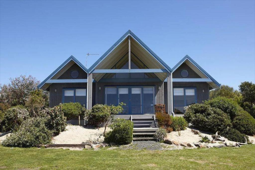 More about Bear Gully Coastal Cottages