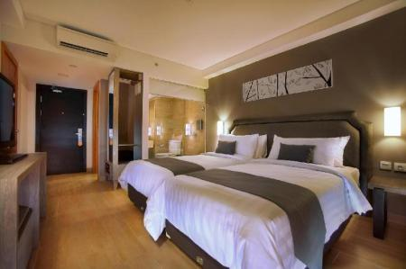 Superior Room - Bed Harper Kuta Hotel