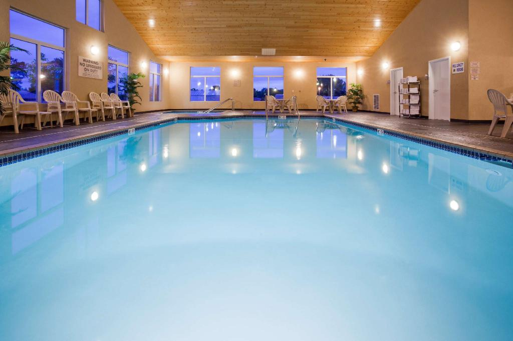 Piscina GrandStay Hotel & Suites- Parkers Prairie