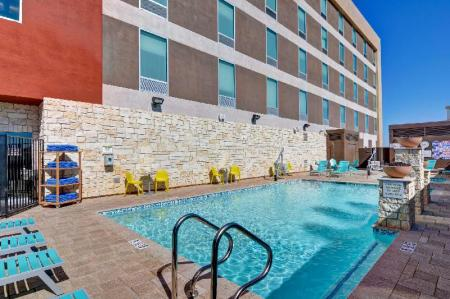 Swimming pool [outdoor] Home2 Suites by Hilton Las Vegas Strip South