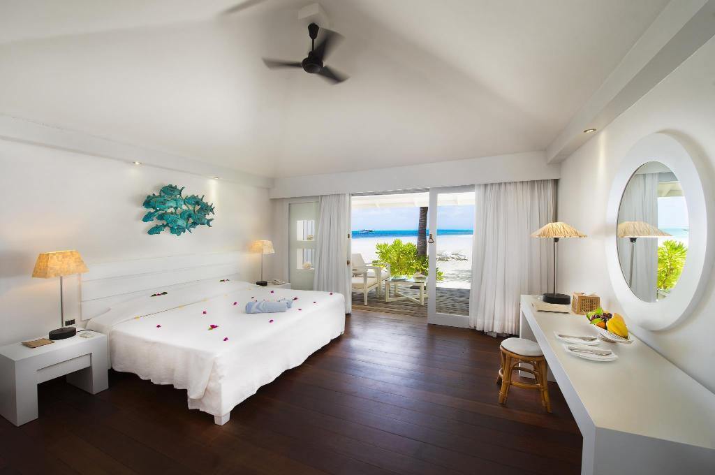 Beach Bungalow - All Inclusive Plus - Bedroom Diamonds Athuruga Beach & Water Villas - All Inclusive