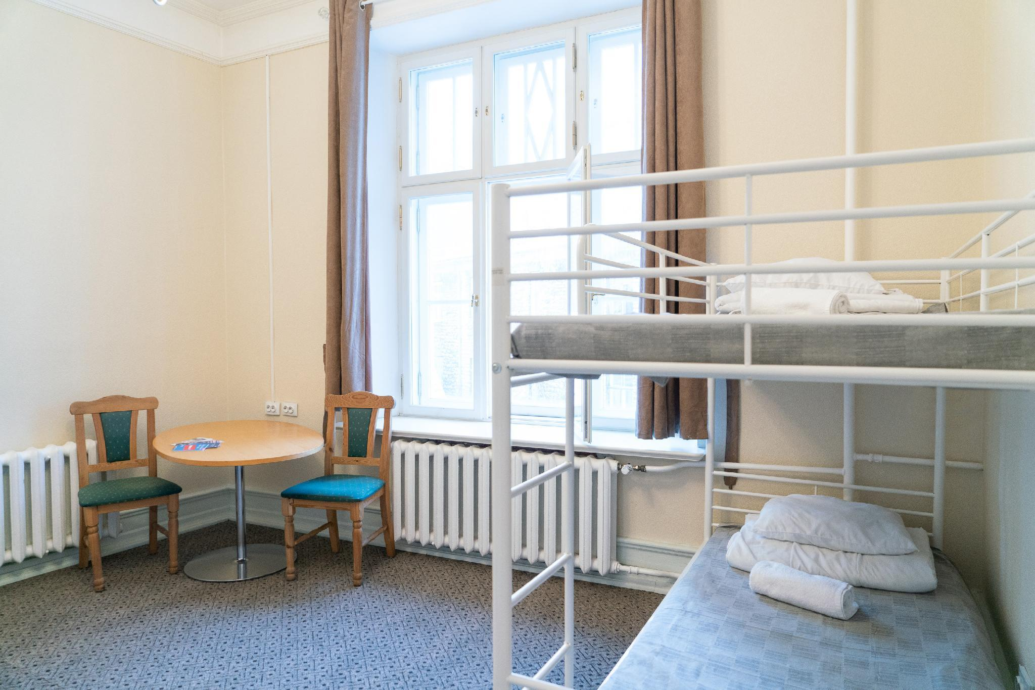 1 Person in 4-Bed Dormitory with Shared Bathroom - Female Only