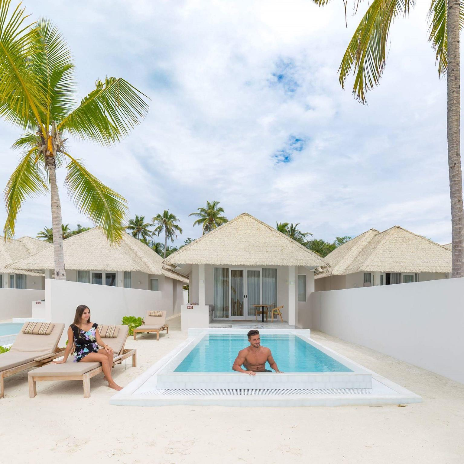 Grand pludmales Suite numurs ar baseinu (Grand Beach Suite with Pool)