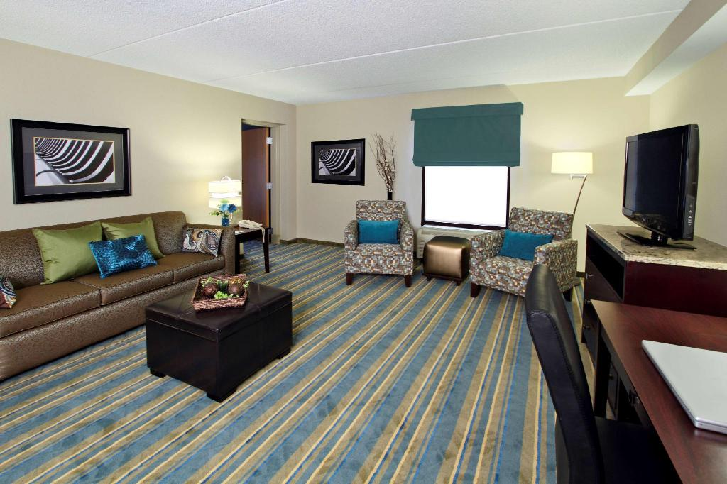 1 King 1 Bedroom Suite Non-Smoking - Guestroom