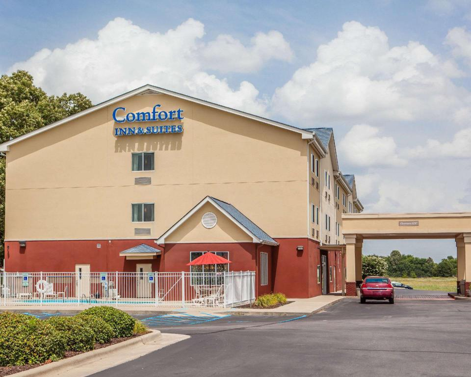 Comfort Inn And Suites Tusbia Muscle Shoals