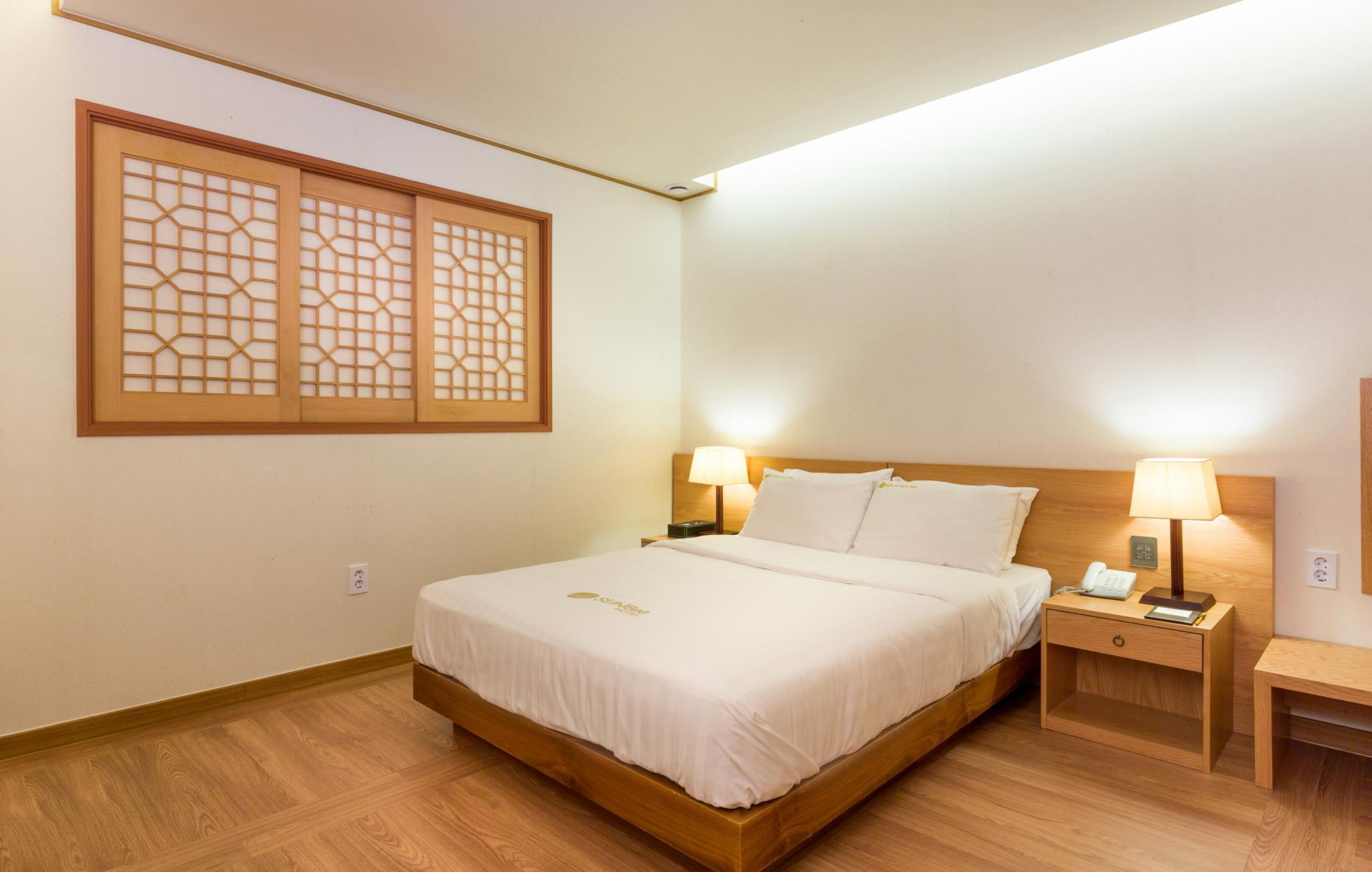 韩式双人床房 (Korean Style Double Room)