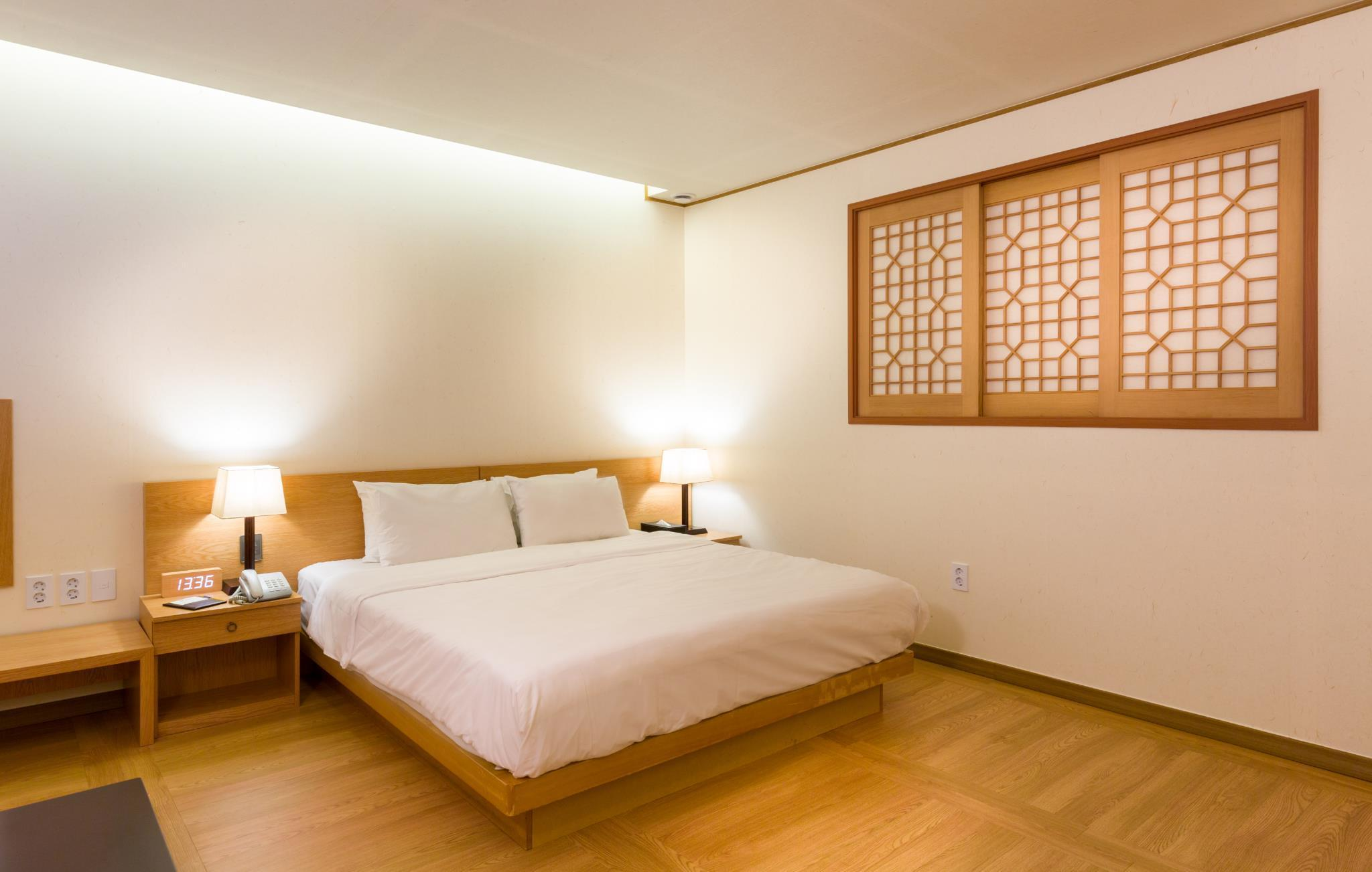 韩式豪华双人床房 (Korean Style Deluxe Double Room)