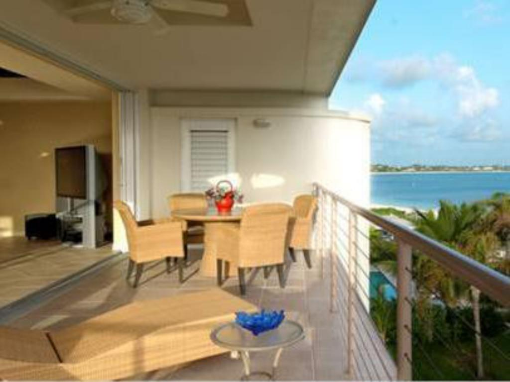 altan/terrasse Coral Gardens on Grace Bay