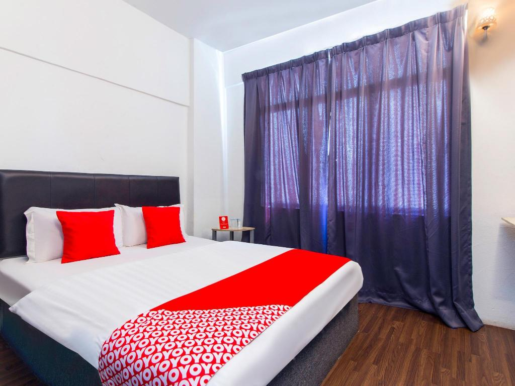 Standard Double Room - Bed OYO 251 Intime Hotel