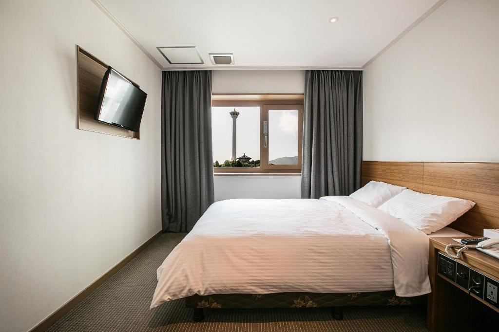 Superior Double Room -Non-Smoking - Room plan Busan Tourist Hotel