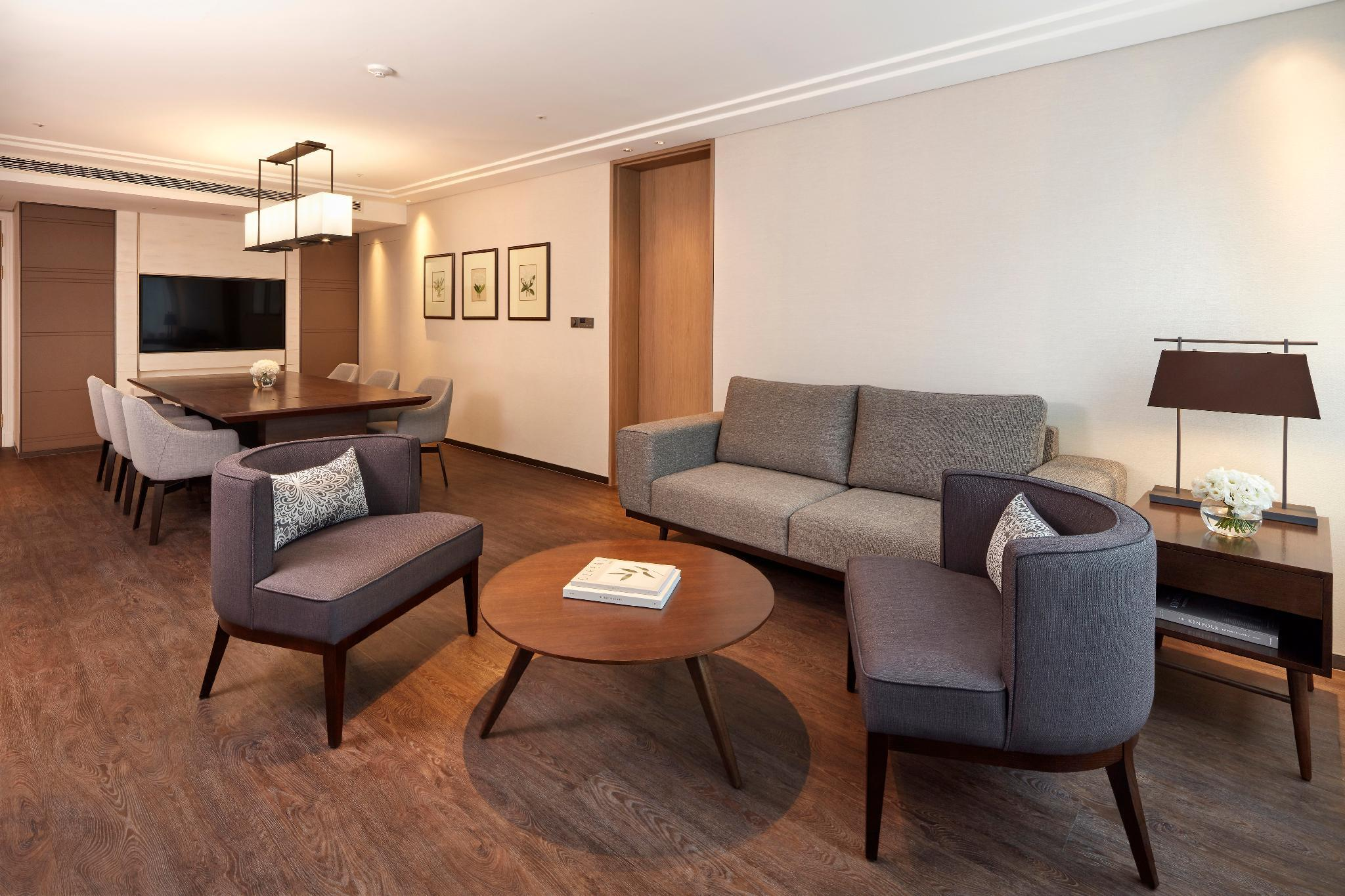 Business Suite, Executive lounge access, 1 Bedroom Suite