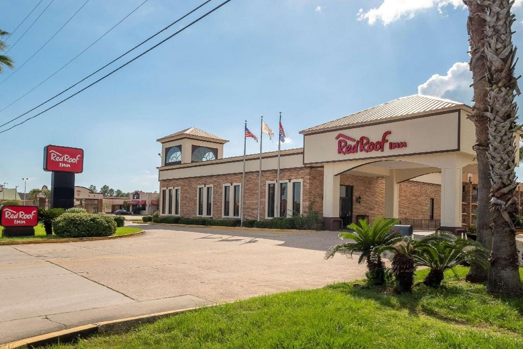 More about Red Roof Inn Gulfport - Biloxi Airport