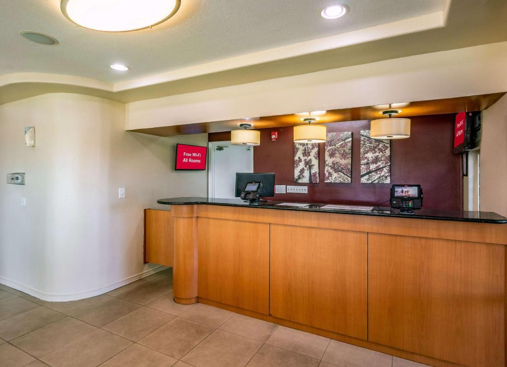 Lobby Red Roof Inn Orlando South - Florida Mall
