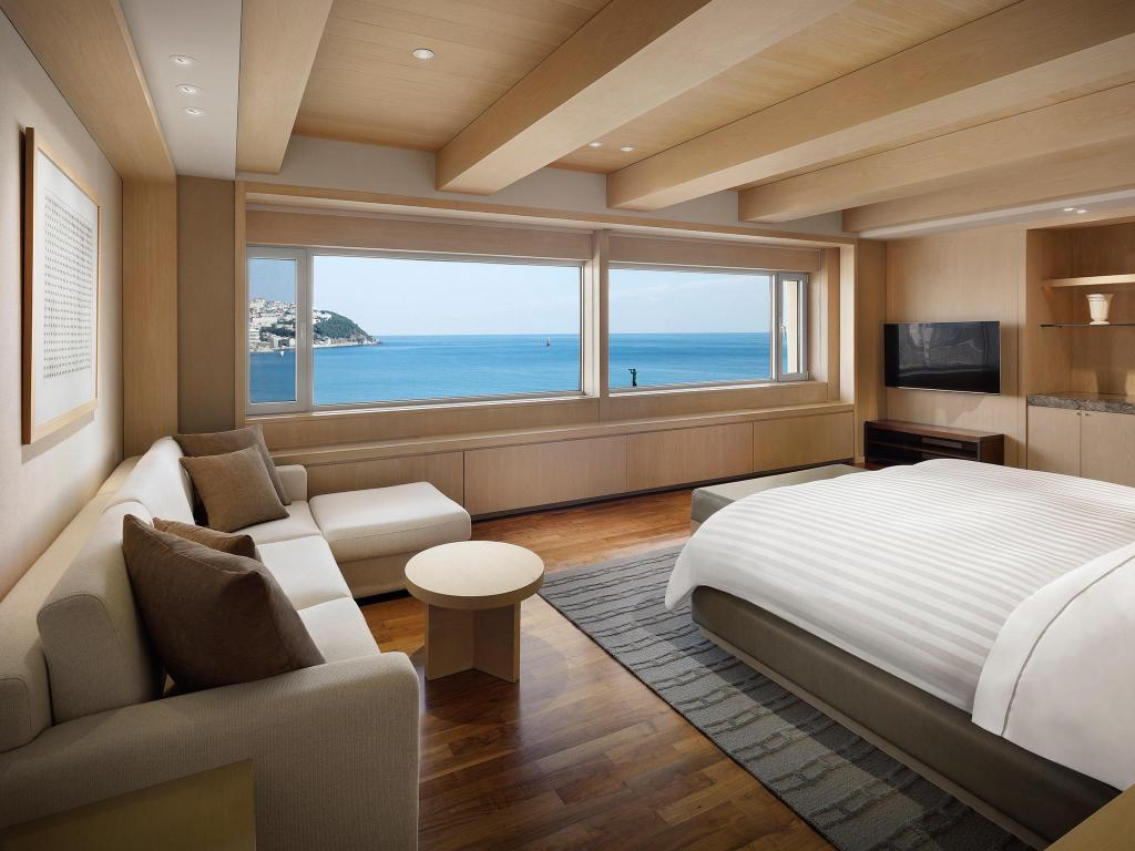 Presidetail Suite, Executive level, Beach view, Corner room - View