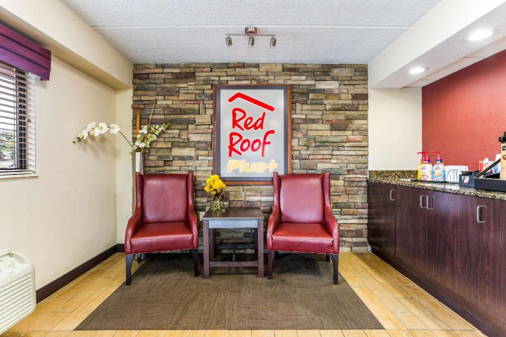 Lobby Red Roof PLUS+ Nashville North - Goodlettsville