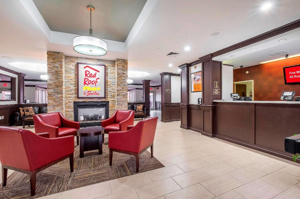 Lobby Red Roof PLUS+ & Suites Knoxville West-Cedar Bluff