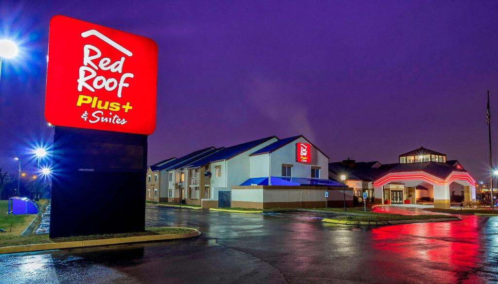Red Roof PLUS+ & Suites Knoxville West-Cedar Bluff