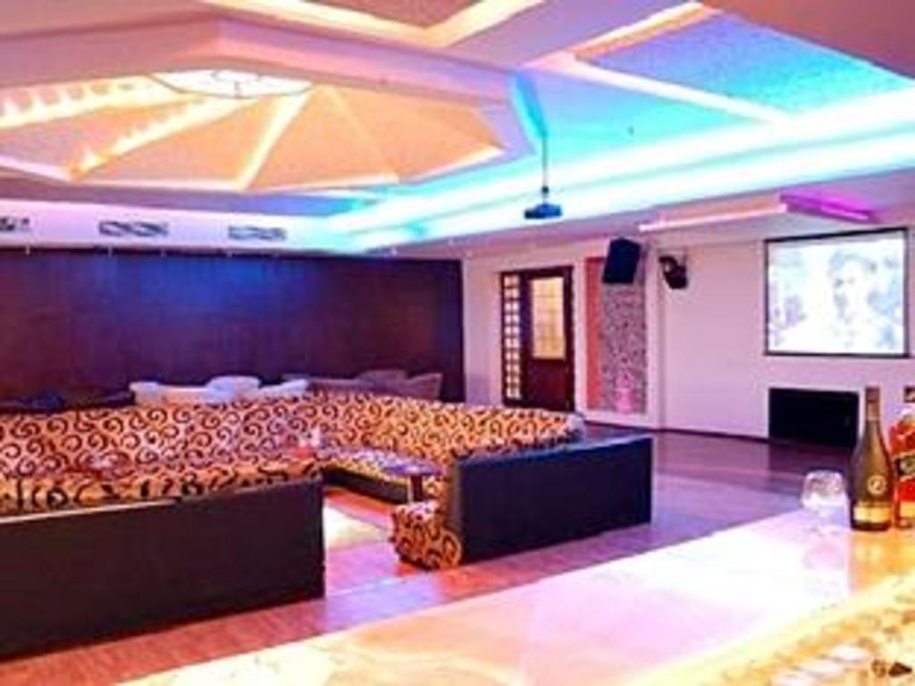 Single Room Hotel In Delhi