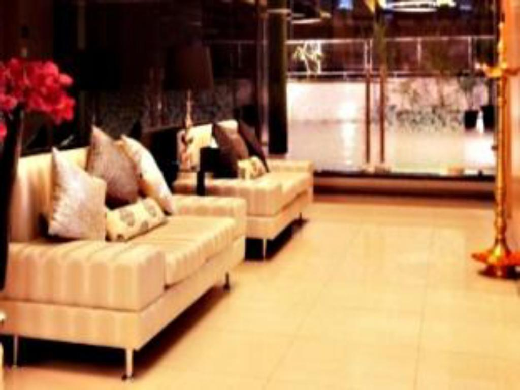 Lobby Mumbai Metro - The Executive Hotel