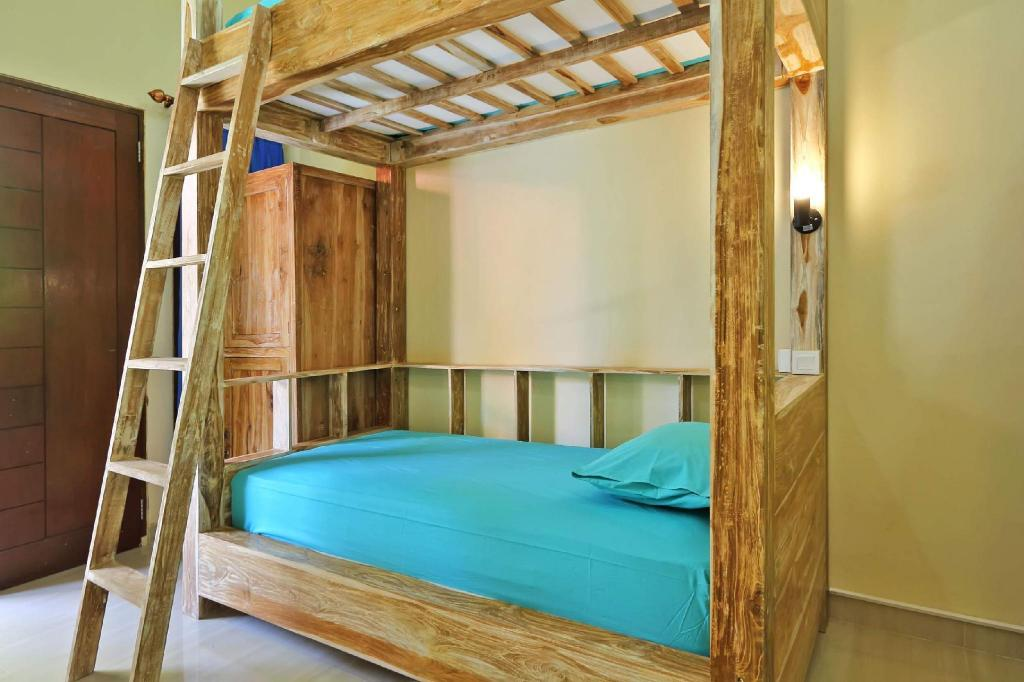 1 Person in 4-Bed Dormitory - Mixed - Bedroom