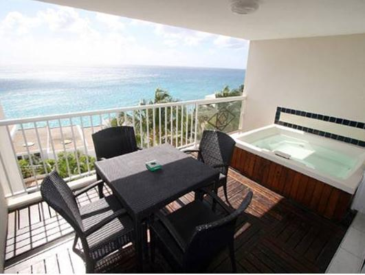SUITE WITH JACUZZI-LIVING-OCEAN VIEW-PRIVATE