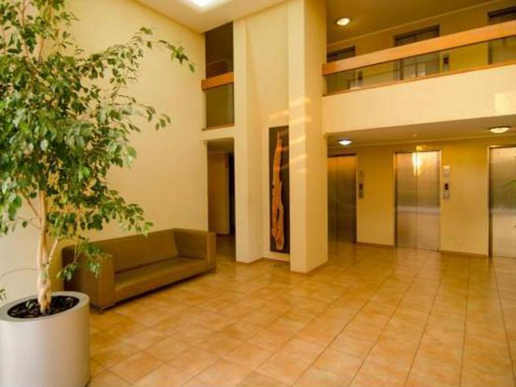 Lobby SCL Suites Bellavista Apartments