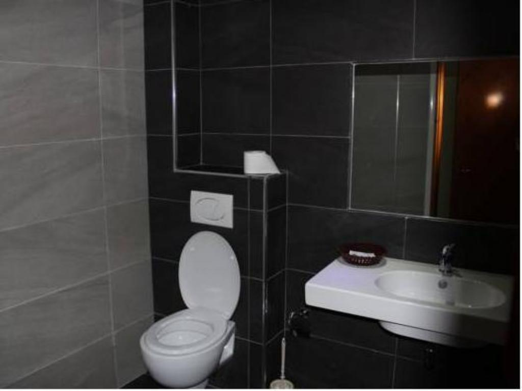 Bathroom Hotel Kaonia