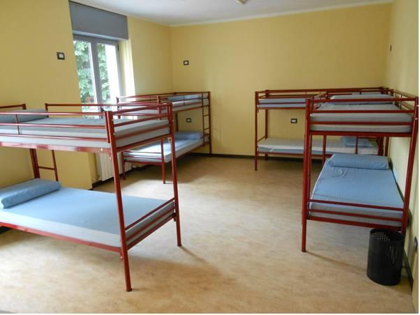 1 Bed in 8 Bed Male Dormitory Room