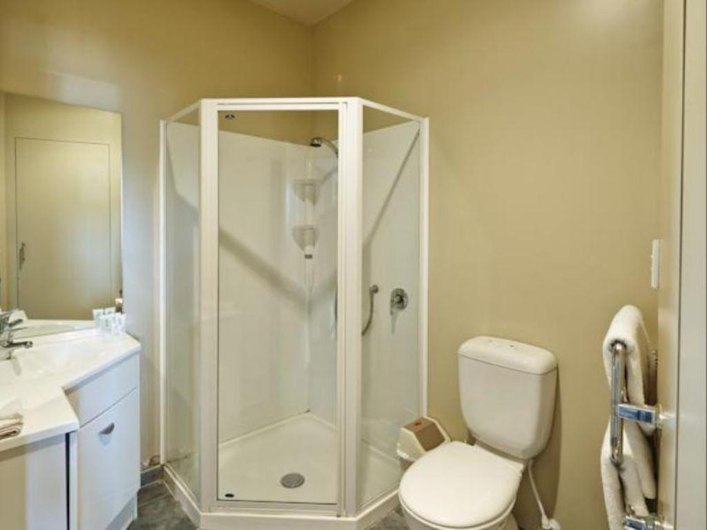Studio - Bathroom Quest Atrium Serviced Apartments