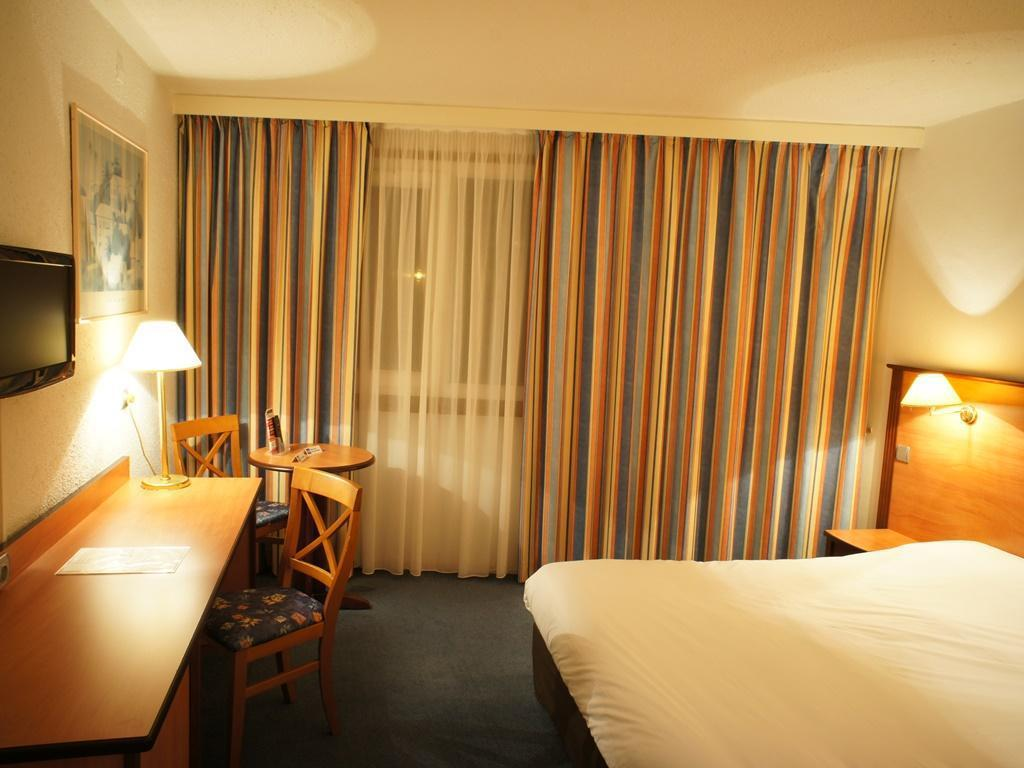 Single Room - Guestroom Inter-Hotel Beaune La Closerie