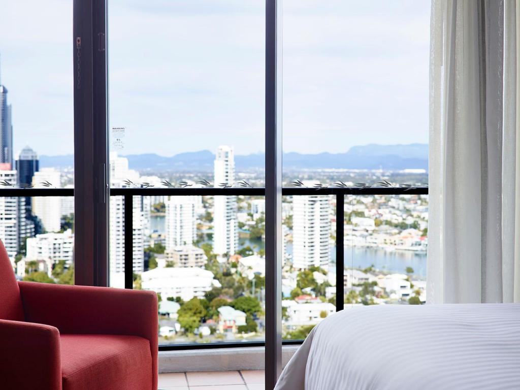 Hinterland King, Guest room, 1 King, Hinterland view - View Surfers Paradise Marriott Resort & Spa