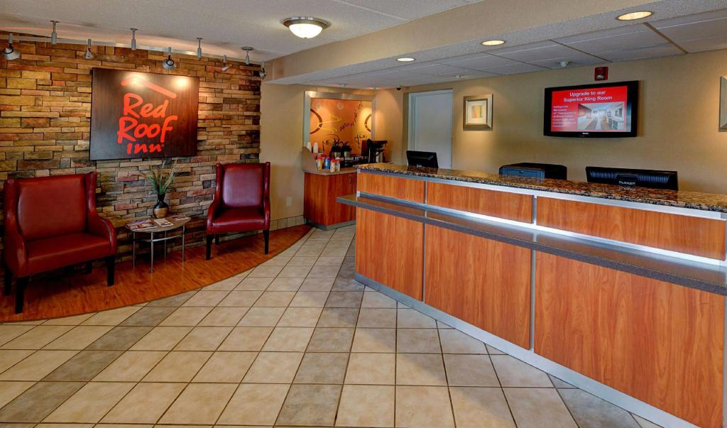 Lobby Red Roof Inn Durham - Triangle Park