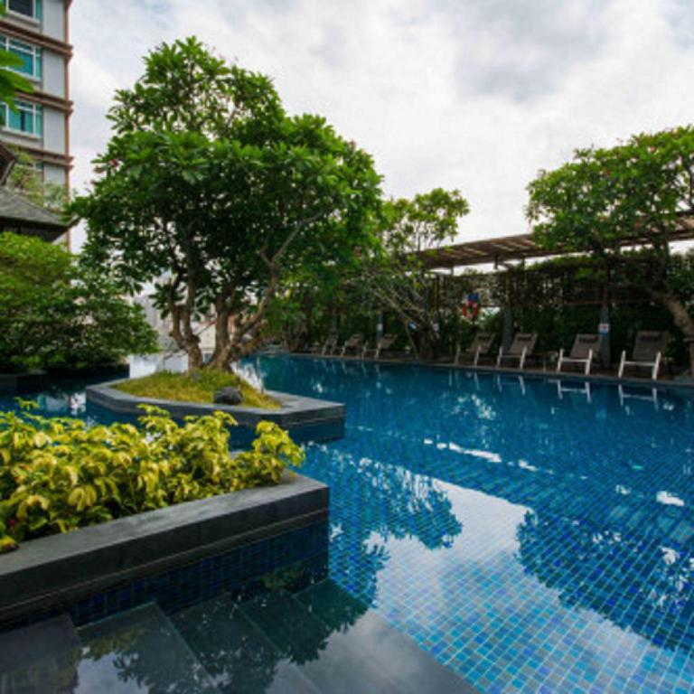 Nana Suites A2 Free Pool Gym Near Bts Nana Bangkok Offers Free Cancellation 2021 Price Lists Reviews