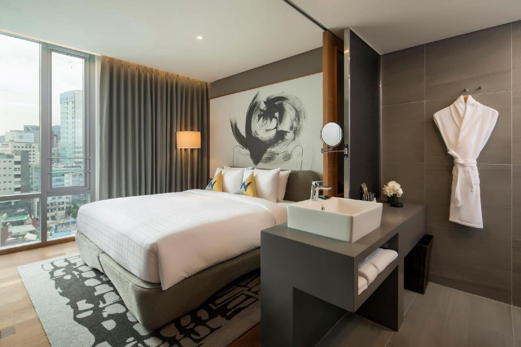 Standard Room with Queen Bed - View Novotel Ambassador Seoul Dongdaemun Hotels & Residences