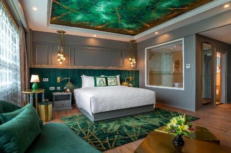 Deluxe 1 King Bed - Bed Grand Mercure Yangon Golden Empire