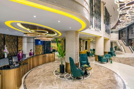 Lobby Grand Mercure Yangon Golden Empire