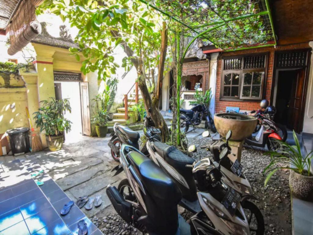 Best Price On Puri Agung Homestay Legian Room 9 In Bali