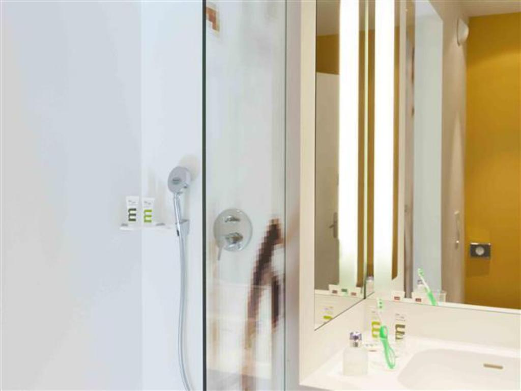 prix le plus bas 55ae8 0e467 Mercure Avignon Centre Palais des Papes Hotel in France ...