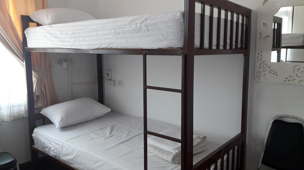 1 Person in 4-Bed Dormitory - Mixed VANILLA hostel & bar